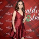 Lacey Chabert – 'Christmas at Holly Lodge' Screening in LA - 454 x 604