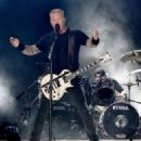 James Hetfield & Lars Ulrich perform onstage at the Rose Bowl on July 29, 2017 in Pasadena, California - 454 x 325