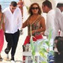 Mariah Carey and James Packer - 454 x 302