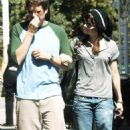 Alyson Hannigan And Alexis Denisof In Brentwood 2007-09-25