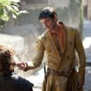 Game of Thrones- Season 4, Episode 1: Two Swords (2014) - 454 x 302