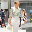 Jennifer Lopez – Leaving the Casa Lever in New York City