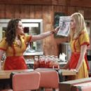 Photo Gallery - 2 Broke Girls