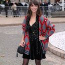 Berenice Bejo – Arrives at Miu Miu Fashion Show in Paris - 454 x 681