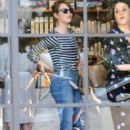 Actress Emma Stone is seen leaving the Meche Salon in West Hollywood, California on June 8, 2016 - 403 x 600