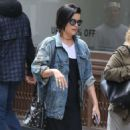 Jaimie Alexander Out Shopping in New York - 454 x 831