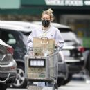 Hilary Duff – Shopping at Whole Foods in Los Angeles