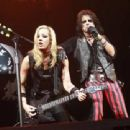 Mötley Crüe & Alice Cooper live at The Bell Centre, Montreal, on August 24, 2015