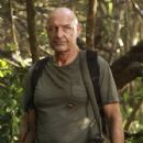 Terry O´Quinn as Locke/Smoke Monster on Lost (Ep.6x08 - Recon)