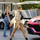 Hailey Baldwin – Seen while out in Bel Air