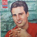 Sean Flynn - Filmski svet Magazine Pictorial [Yugoslavia (Serbia and Montenegro)] (31 May 1962)