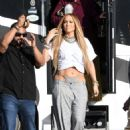 Jennifer Lopez – Arrives to shoot a video with DJ Khaled in Miami - 454 x 660