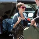 Anne Hathaway Heads to the Airport
