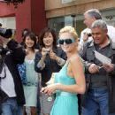 Paris Hilton - Shopping In West Hollywood, Apr 11 2006