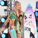 Taylor Swift – 2019 Teen Choice Awards in Los Angeles