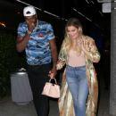 Khloe Kardashianin Jeans at Boa Restaurant in Hollywood - 454 x 623