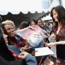 'Breaking Dawn' Cast Greet Fans In Line For Comic-Con! Stay Tuned More to Come!