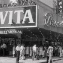 Evita (musical) Original 1979 Broadway Musical Starring Patti LuPone - 454 x 303