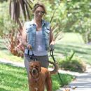 Haylie Duff: out walking her two dogs in Toluca Lake - 440 x 594