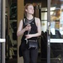 Elle Fanning – Hits the gym in LA - 454 x 681