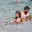 Lionel Messi and Antonella Roccuzzo in Antigua 07/04/2017 - 454 x 333