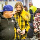 Hailee Steinfeld – Arrives at Tegel Airport in Germany