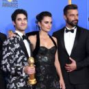 Darren Criss, Penélope Cruz and Ricky Martin At The 76th Annual Golden Globe Awards - Press Room - 430 x 600