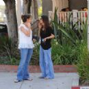 Amanda Peet Was Spotted Having Lunch With A Friend On Melrose, 2008-07-29