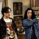 Sara Gilbert and Johnny Galecki - 400 x 300
