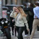 Ellie Goulding – Leaving Saint Ambroeus in New York - 454 x 678