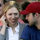 Chelsea Clinton and Marc Mezvinsky - 320 x 240
