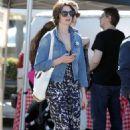 Anne Hathaway At Farmers Market In La