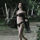 Lara Flynn Boyle - 454 x 607