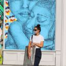 Katie Holmes – Out for shopp an artwork in NYC - 454 x 618