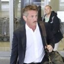 Sean Penn is spotted arriving at the Bradley International Terminal at LAX on March 25, 2017 - 431 x 600