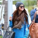 Selena Gomez with girlfriends in Beverly Hills, Ca January 24th,2013 - 454 x 579