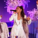 Ariana Grande – Performing on the 'Ellen Degeneres' Show in LA