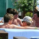 Niall Horan, was spotted getting close to a mystery female friend at The Ocean Club in Marbella where he arrived with a group of friends