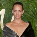 Amber Valletta – 2017 Fashion Awards in London - 454 x 627
