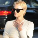 Pamela Anderson shows off new pixie haircut while out with , Rick Salomon - 454 x 560