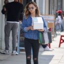 Jamie Chung – Out and about in Los Angeles - 454 x 622