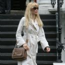 Claudia Schiffer Candids In London, 2009-06-09