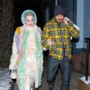 Katy Perry and Orlando Bloom – Arrive at Matsuhisa in Aspen - 454 x 681