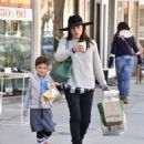 Selma Blair is seen out shopping for groceries in Studio City, California on January 21, 2017 - 454 x 554