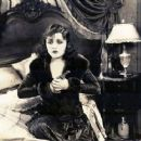 Pola Negri - 454 x 362