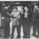 Jail Busters - Leo Gorcey - 454 x 347