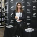 Cindy Crawford meets fans and signs copies of her book
