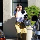 Ariel Winter in Yellow Pants – Out in Los Angeles - 454 x 633