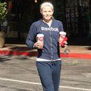 Jennifer Morrison Picks Up Coffee From Starbucks, November 10 2009