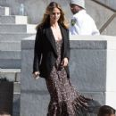 Heidi Klum spotted on the set of 'Ocean's Eight' in Los Angeles, California on March 6, 2017 - 430 x 600